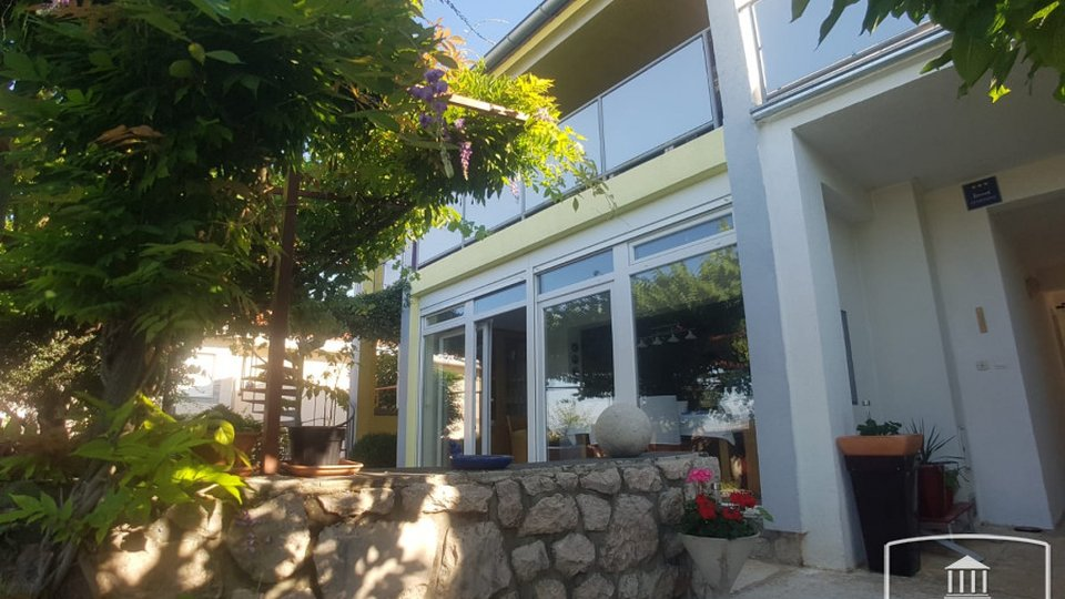 House, 200 m2, For Sale, Starigrad