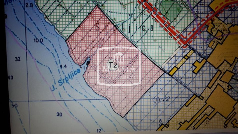 €Vir - two building lands of 1744m2 approximately 100m from the sea!! T2 zone! 55€/m2