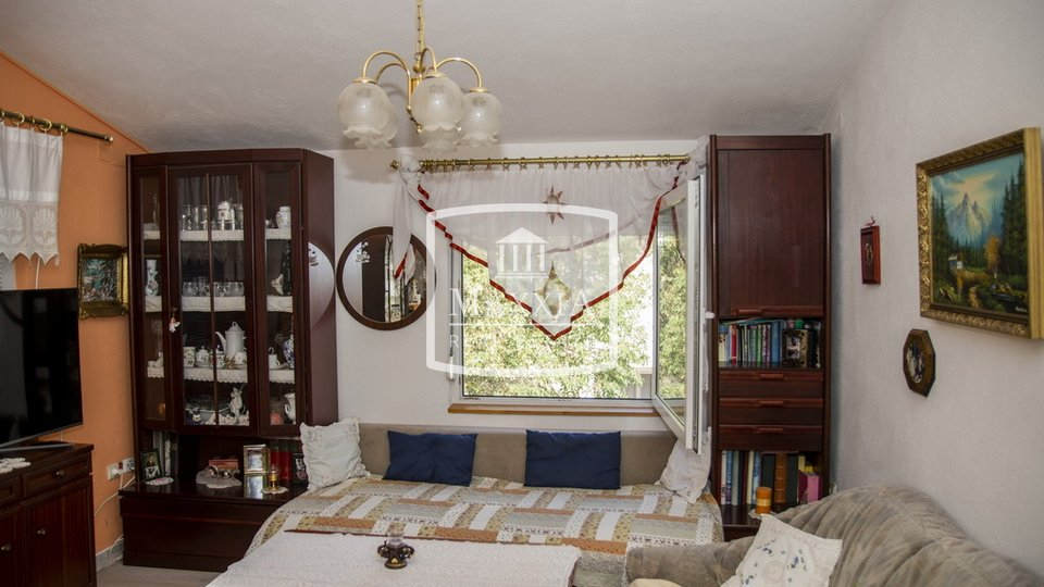 House, 214 m2, For Sale, Starigrad